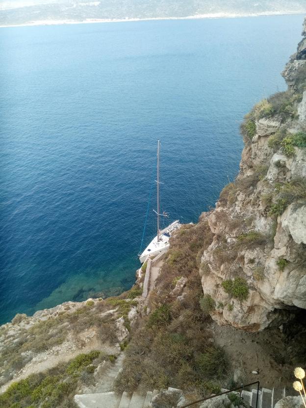 Navarino bay trekking